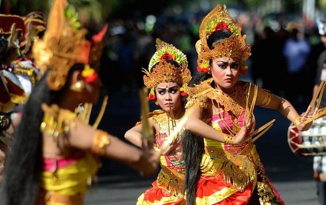 Когда лучше отдыхать в Индонезии?