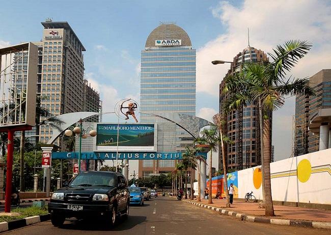 Как добраться из аэропорта в Джакарту?
