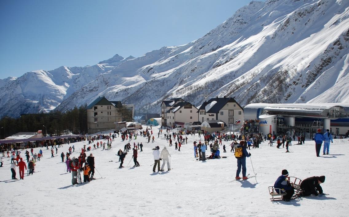 Рейтинг TURIZM'а: где кататься на лыжах в России, и сколько это стоит?