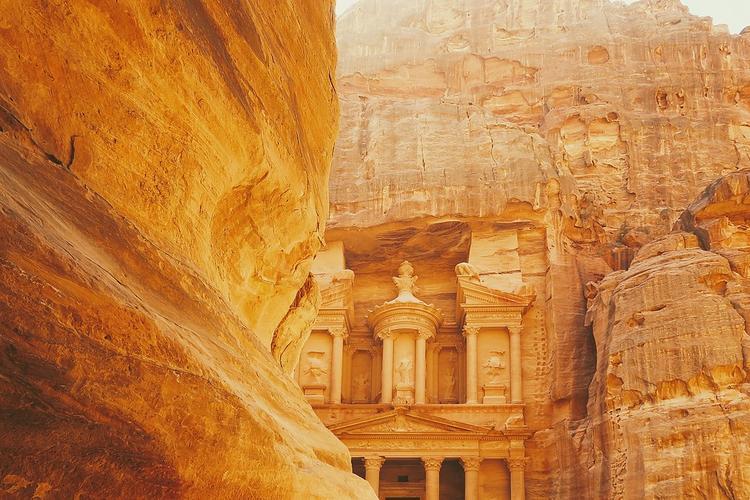 Иордания зимой: стоит ли ехать и чем заняться?