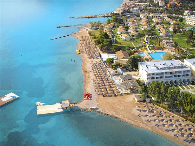 Где лучше отдохнуть в Греции с детьми в сентябре: от бюджетных до люксовых отелей