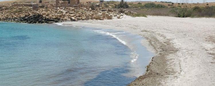Был обнаружен отличный дикий пляж возле Лептиса.
