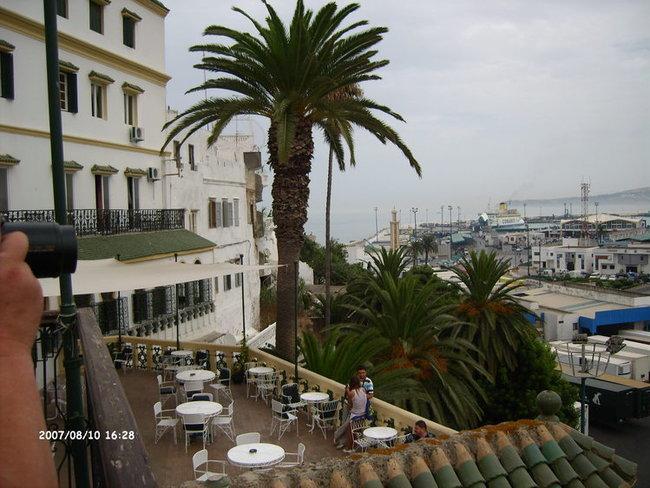 """Вид на порт с балкона отеля """"Континенталь"""""""