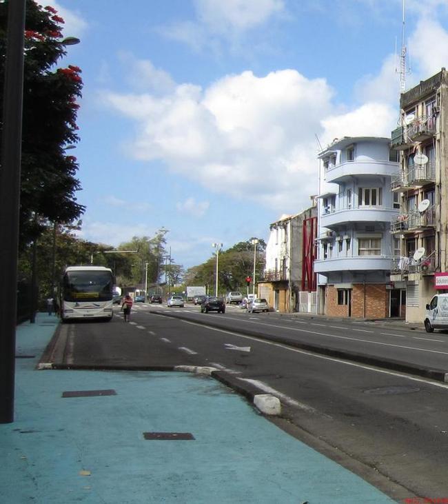 Голубой тротуар для туристов