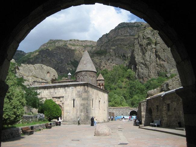 Монастырь Гехард