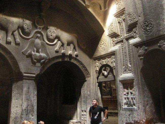 Внутренняя декорация монастыря