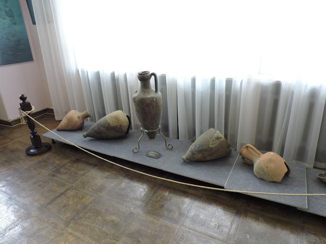 Дача Стамболи и музей подводной археологии.