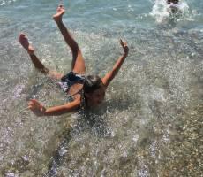 Море, галечный пляж