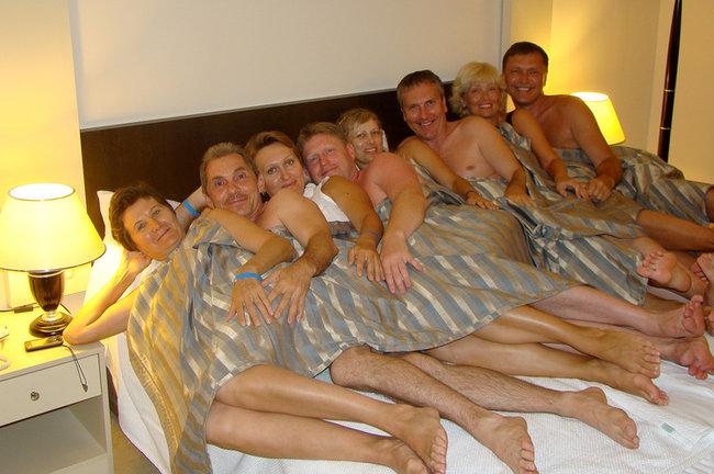 Порно инцес в номере отеля12