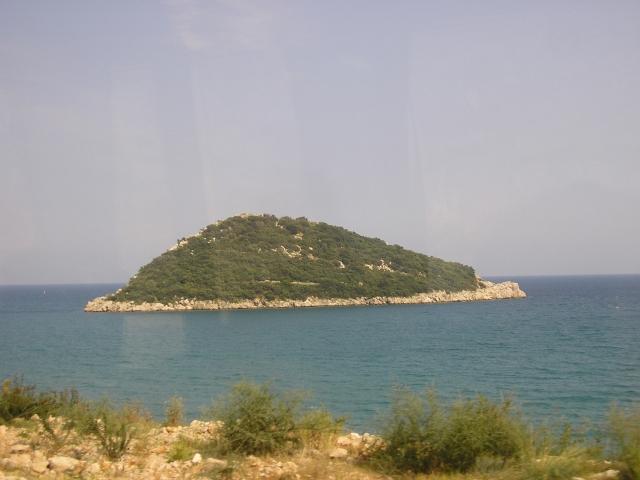Мышиный остров по дороге в Кемер