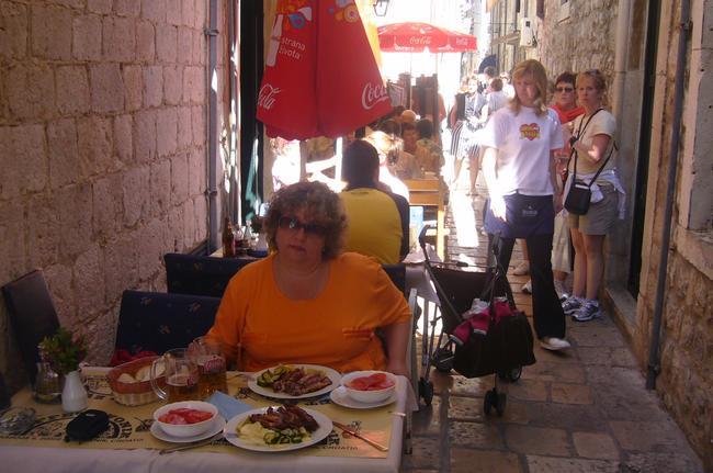 Уличное кафе в Дубровнике