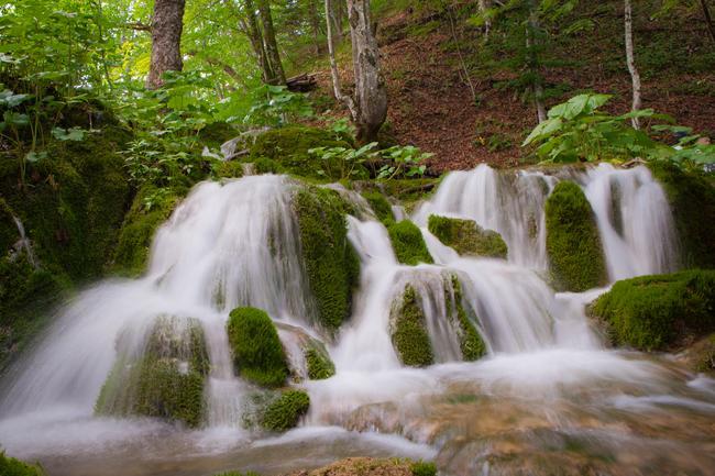 разнообразие водопадов