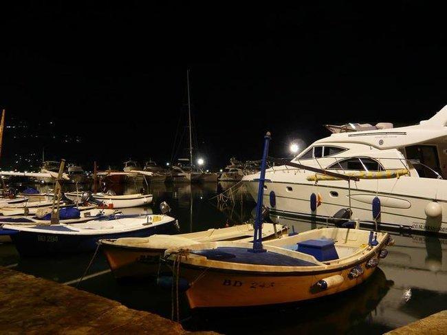 Будва. Ночью в порту
