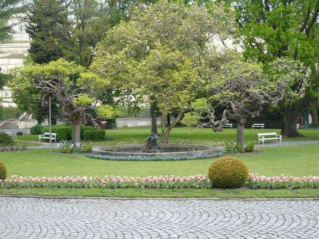 105 Мала Страна. Вальдштейнский сад