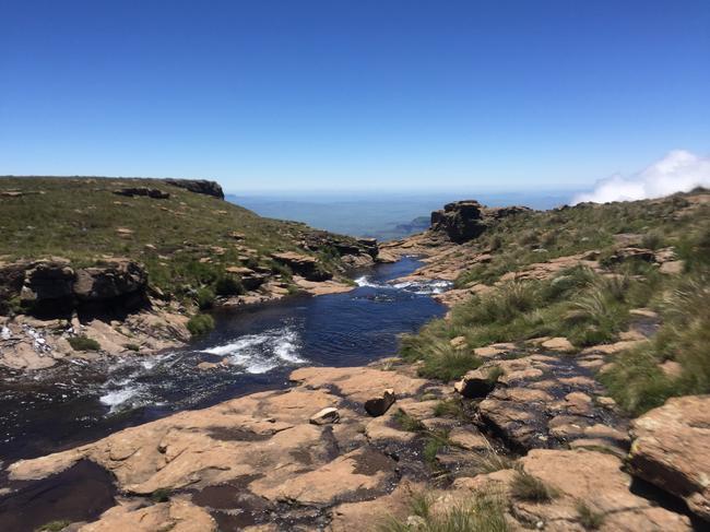 Ручей водопада