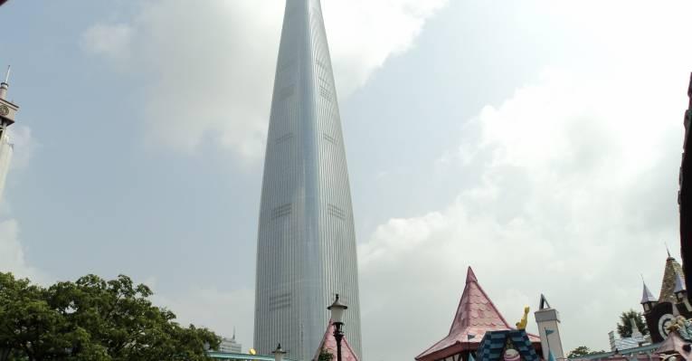 Lotte world tower днём