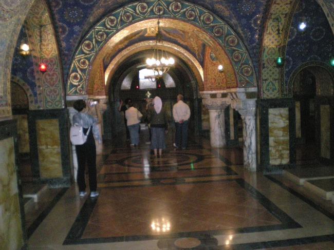 В храме-мавзолее Карагеоргиевичей