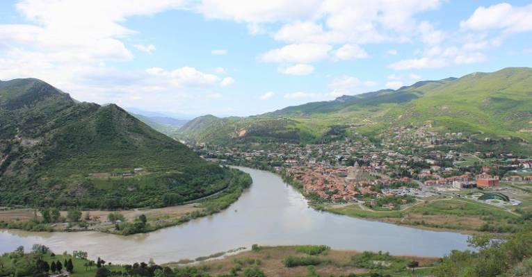 Вид на древнюю столицу Грузии - Мцхету