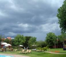 Zambezi Sun территория отеля-ТУЧИ!