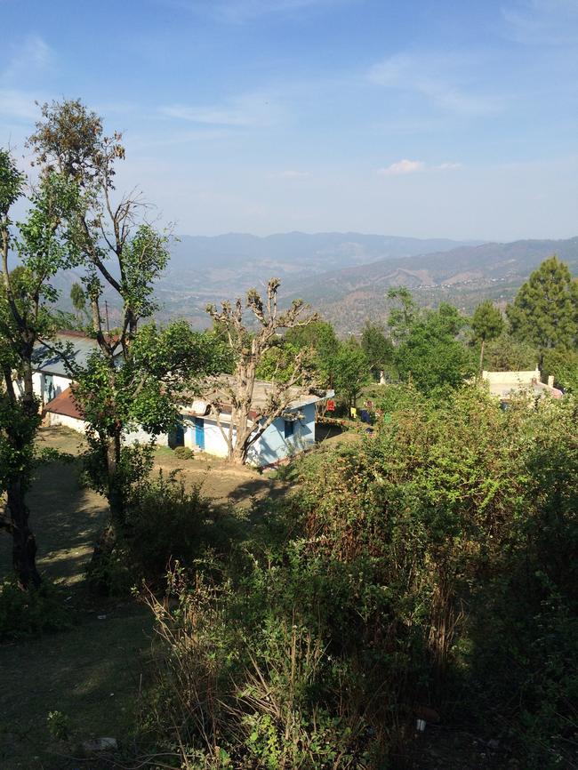 Вид из клиники в Гималаях
