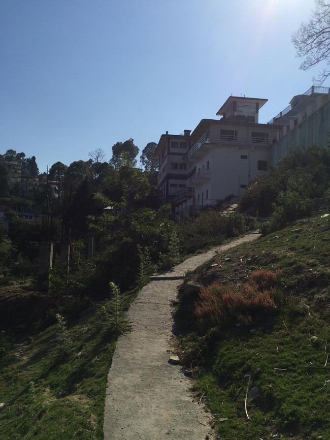 Дорога в клинику Бабаджи