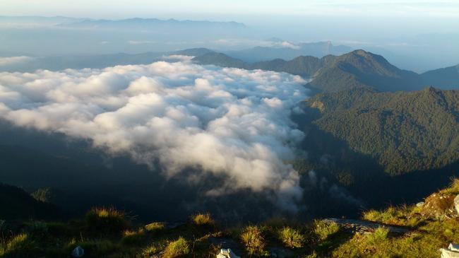 В Гималаях. Забрались выше облаков.