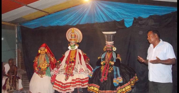 Культурная программа - национальный танец.