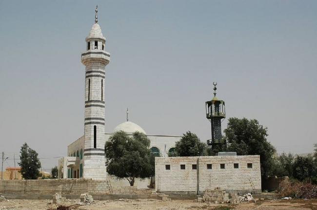 Мечети по дороге к Мертвому морю.