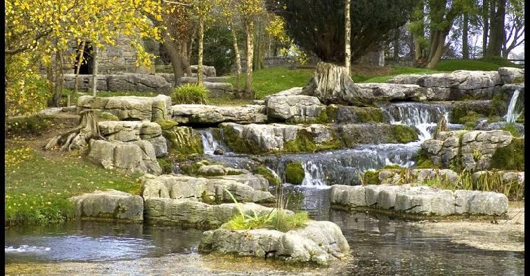 Водопадики в парке Св. Фиакра