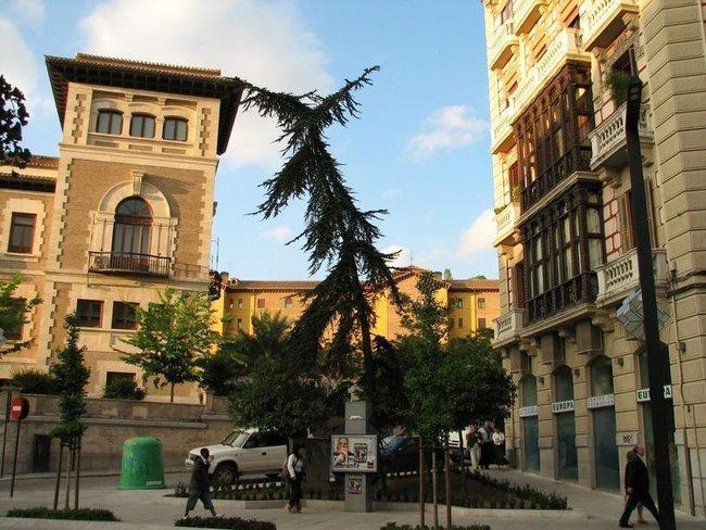 Гранада, Gran Via de Colon, т. е. Проспект Колумба