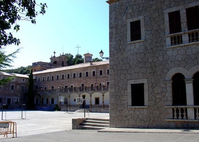 Монастырь Льюк