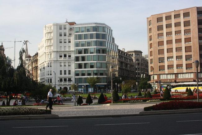 Бильбао. Площадь Испании.
