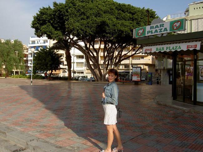 площадь перед отелем