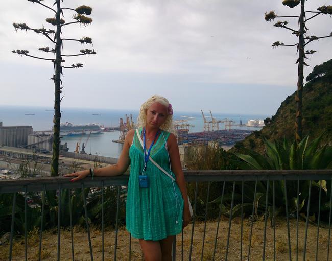 Вид с холма на порт