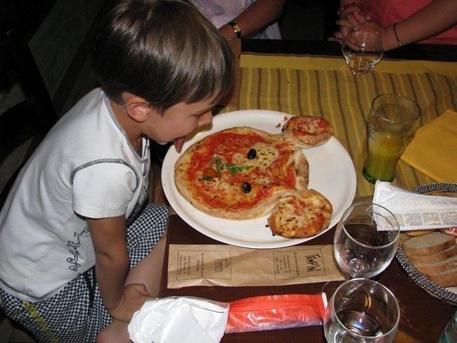 """Пицца """"Микки Маус""""."""