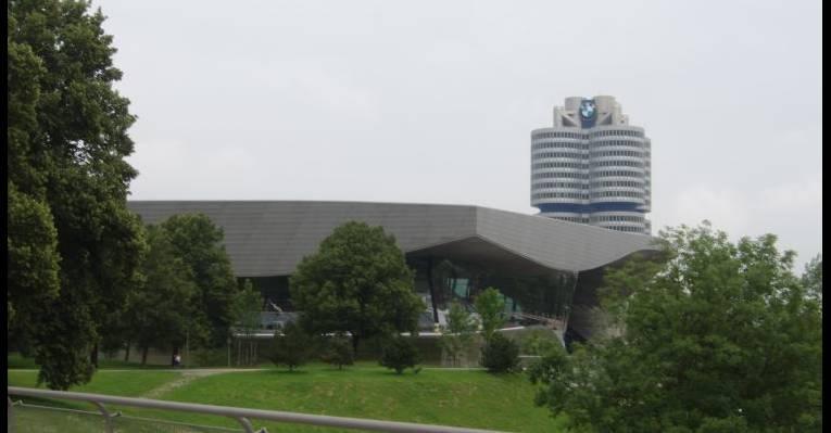 Музей БМВ, штаб-квартира (1)