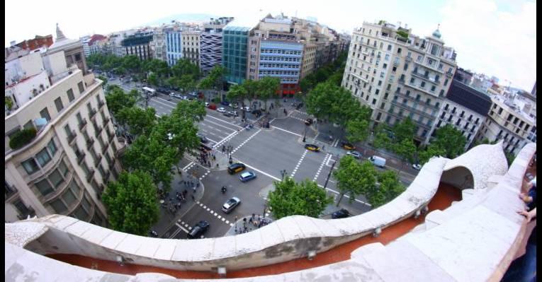 вид из крыши на Песеич Де Грасиа