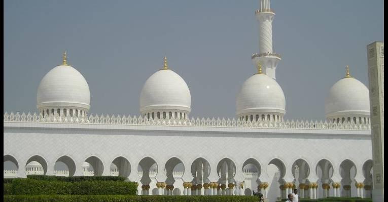 Сказочные белые купола