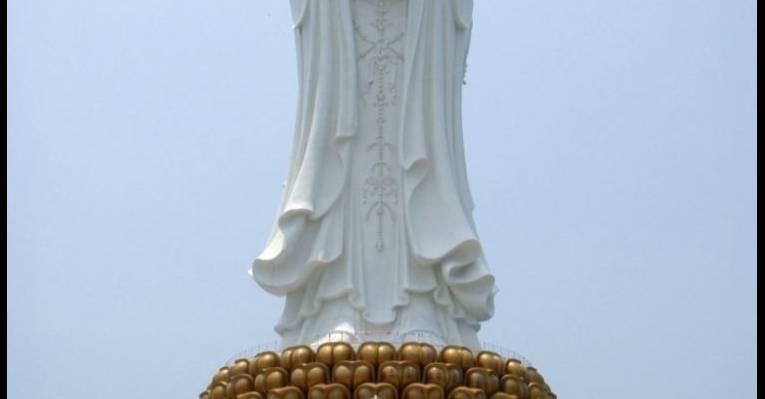 Статуя богини Гуаньинь. Остров Хайнань