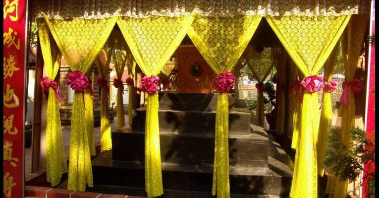 Tay Ho Pagoda