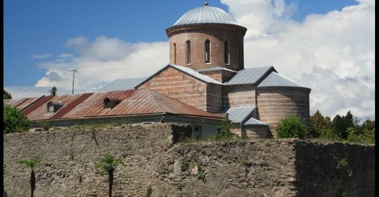 Патриарший собор в честь Апостола Андрея Первозванного. Пицунда