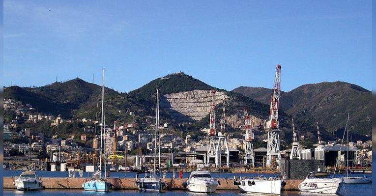Центральный порт в Генуе