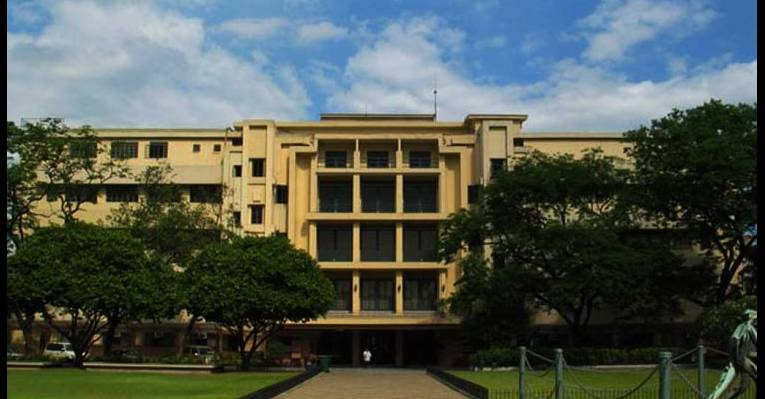 far eastern university The far eastern university institute of law (also known as feu law or the institute of law) is a private, coed legal education board-accredited law school of the far eastern university.
