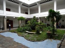 Дворец Воссоединения (Хои Труонг Тонг Нхат)