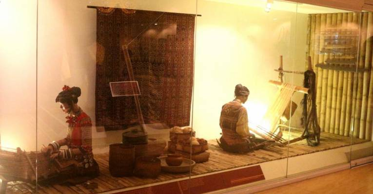 davao museum displaying davao s rich heritage The museo dabawenyo houses the rich history and diverse cultural heritage of the people of davao display at the center of the museum s museum.