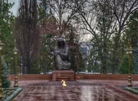 Площадь Независимости (Площадь Мустакиллик)