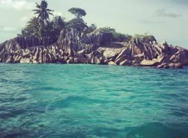 One Love Boat Charter Seychelles
