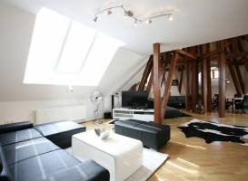 Apartment Attic Kozi