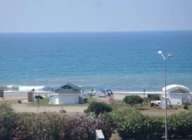 Happy Dreams Beach Hotel