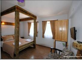 Bozcaada Iris Hotel